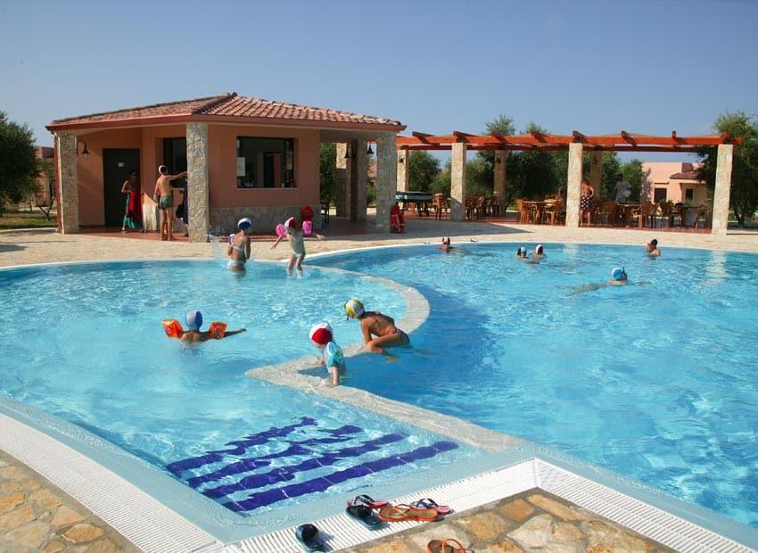 Residence santa maria vieste appartamenti sul mare con piscina puglia - Residence puglia mare con piscina ...