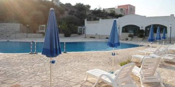 Appartamenti con piscina sul mare e vicino al centro di Vieste