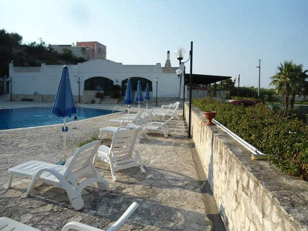 Appartamenti con piscina sul mare e vicino al centro di vieste for Appartamenti pescoluse sul mare