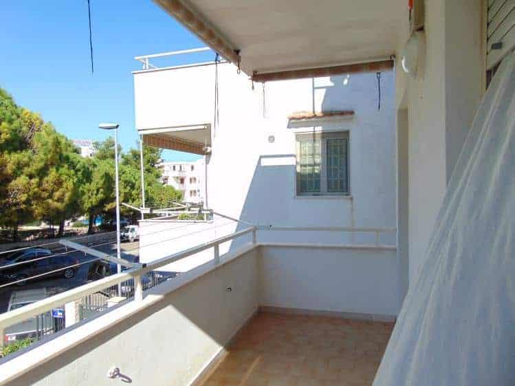 Casa per vacanze a vieste in posizione centrale a 250 for Piccoli piani cabina con soppalco e veranda