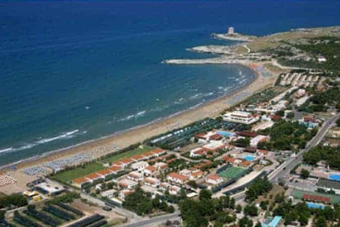 Club in villaggio sul mare a vieste for Appartamenti vieste