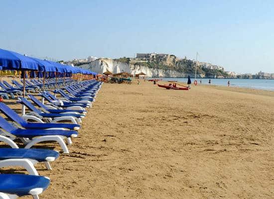 Risultati immagini per foto spiaggia pizzomunno