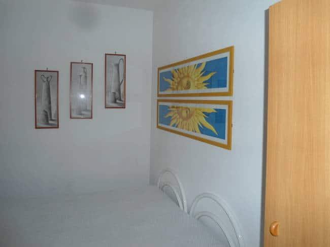 Appartamenti ezio case vacanze in pieno centro di vieste - Letto matrimoniale piccolo ...